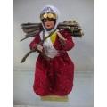 yöresel el sanatı çalı taşıyan bebek boy 27 cm. en 12 cm.